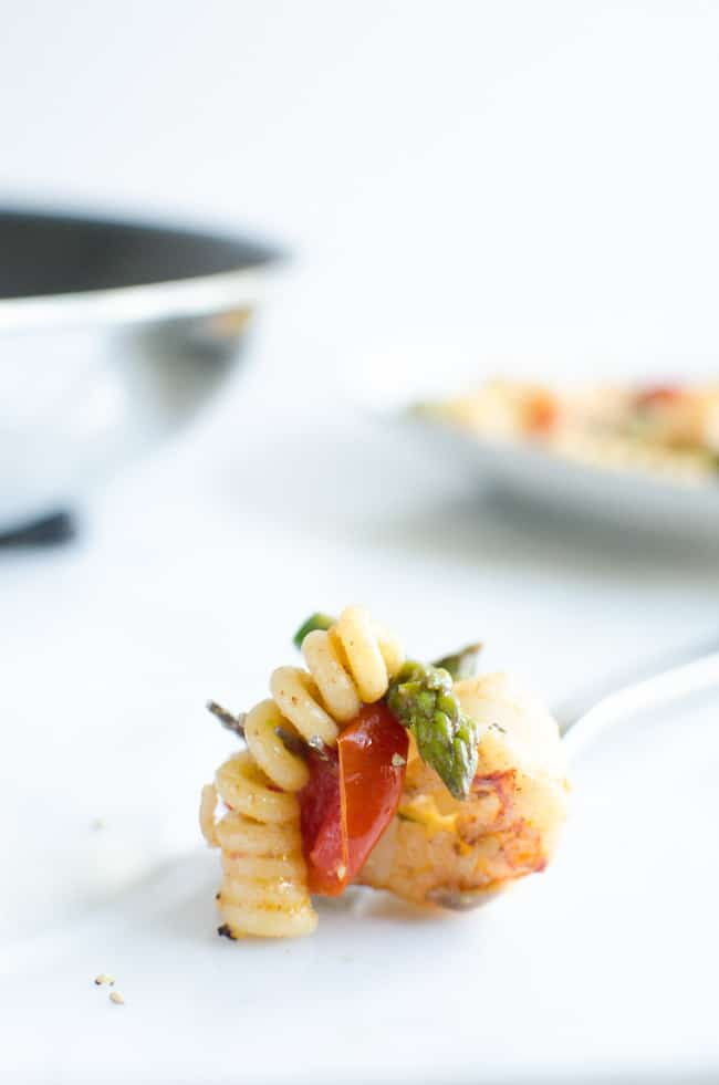 Fusilli with Asparagus, Shrimp, and Cherry Tomatoes | veryEATalian-18