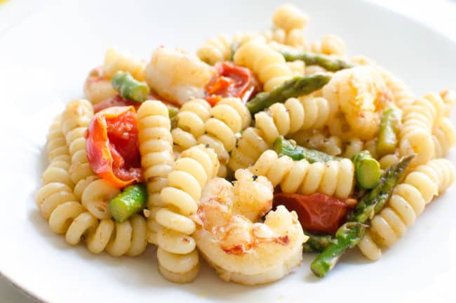Fusilli with Asparagus, Shrimp, and Cherry Tomatoes | veryEATalian-3