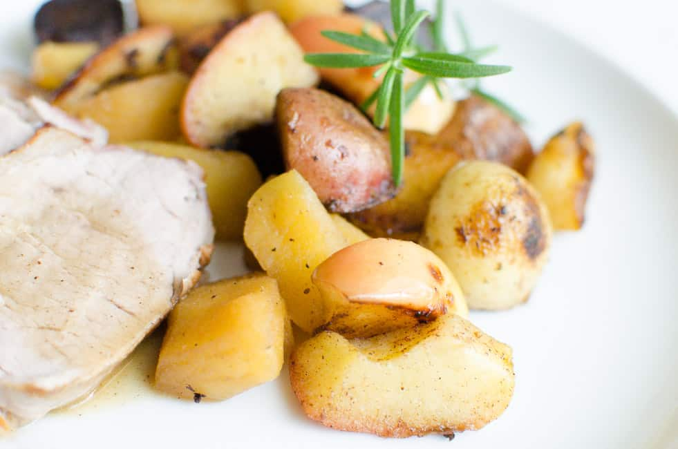 Pancetta-wrapped Pork Loin with Apples and Potatoes | veryEATalian-14
