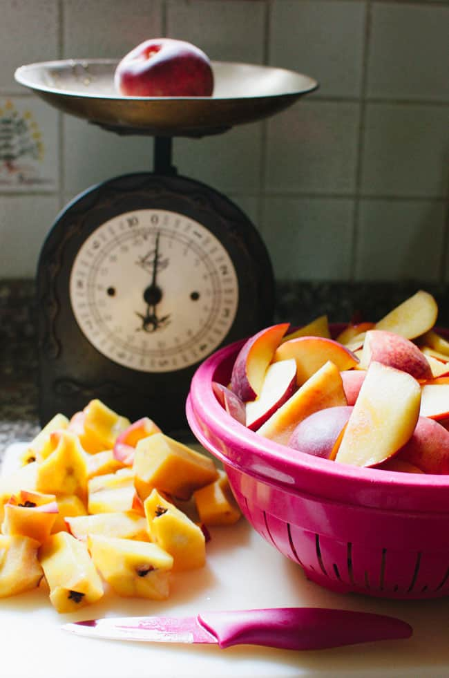 Homemade Peach Jam | veryEATalian