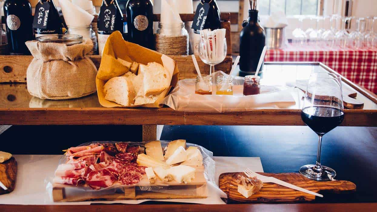 My trip in Tuscany: cheeses and cold cuts for lunch? Yes, please.| Very EATalian