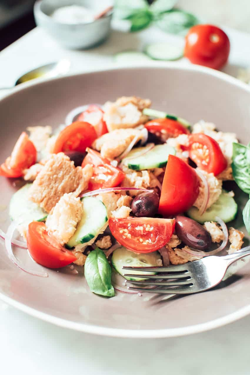 Panzanella: Bread and Tomato Salad | veryEATalian